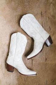 womens cowboy boots in canada best 25 white cowboy boots ideas on boots