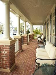 How To Decorate A Patio Best 25 Southern Front Porches Ideas On Pinterest Southern