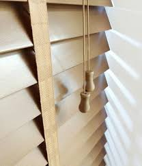 Wide Slat Venetian Blinds With Tapes 9 Best Faux Wood Venetian Blinds With Tapes Images On Pinterest
