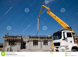 Ein Haus Betonpumpe Und Ein Haus Stockfoto Bild Von Himmel übertragung