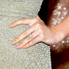 kate engagement ring kate upton s engagement ring estimated to be worth 1 5 million