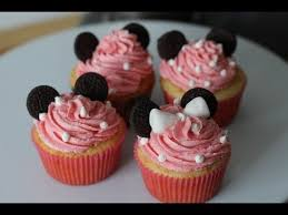 minnie mouse cupcakes how to make minnie mouse cupcakes simply bakings