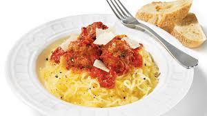 cuisiner la courge spaghetti courge spaghetti sauce marinara et boulettes de viande recettes iga