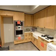 quarter sawn oak kitchen cabinets quarter sawn oak showroom display kitchenette