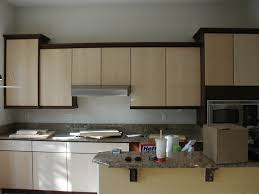 Kitchen Colors For Oak Cabinets by Best Ideas To Select Paint Color For A Small Kitchen To Make It Bigger