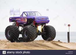 bigfoot 5 crushing monster trucks slingshot monster truck stock photos u0026 slingshot monster truck