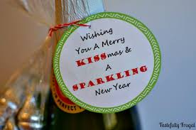 wishing you a merry kissmas a sparkling new year a gift