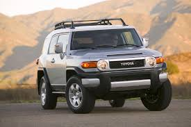 suv toyota 2008 toyota fj cruiser adds safety features and new colors for 2009