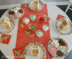how to host an easy gingerbread house decorating