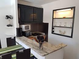 comptoir de la cuisine la cuisine gîte au calme vers allauch pour que la vie soit