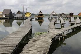 Floating Houses Bokod Floating Houses U2013 Oroszlány Hungary Atlas Obscura