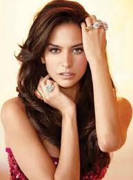 2015 hair color for women genesis rodriguez hair color hair colar and cut style