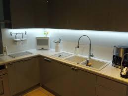eclairage led sous meuble cuisine eclairage pour meuble de cuisine le led cuisine de cuisine