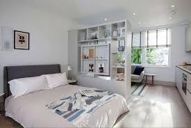 trennwand schlafzimmer kreative raumteiler für das platzsparende und trendige schlafzimmer