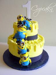 minion birthday cake ideas birthday cakes despicable me cake with stacked minions
