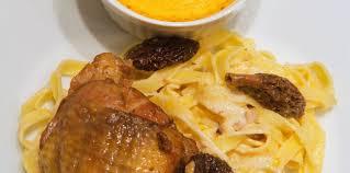 cuisiner les morilles fraiches pintade sauce aux morilles pâtes fraîches et flan de potimarron