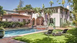 buy home los angeles jay z and beyoncé put down roots in l a with 88 million splash