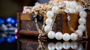 rules of mixing and matching jewelry