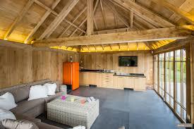 poolhouse in eik maar wat is een poolhouse timber works