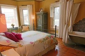 spa dans la chambre auberge la victorienne spa bed and breakfasts magog