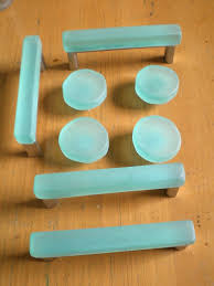 Pulls And Knobs For Kitchen Cabinets Best 25 Glass Drawer Pulls Ideas On Pinterest Glass Drawer