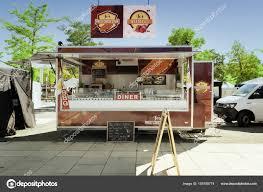 camion cuisine mobile schwerin allemagne 2 juin 2017 cuisine mobile dans un aliment