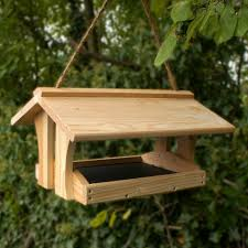 5 easy wood projects from pallets bird house