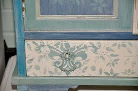 How To Paint Old Furniture by Learn How To Paint Using Old Town Paints Chalk Style Finish Paint