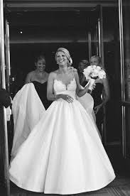 where can i sell my wedding dress i m selling my stunning amsale coco wedding dress and veil i