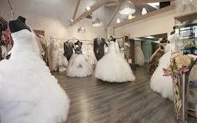 magasin robe de mariã e marseille la vraie vie d une vendeuse de robes de mariée mademoiselle dentelle