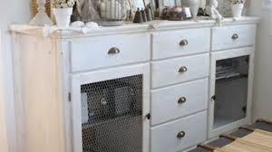 meuble blanc chambre ajouter une galerie photo peindre meuble blanc effet vieilli