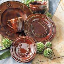 Western Moments Original Home Furnishings And Decor Horseshoe Dinnerware Set 16 Pcs Western Home Style Pinterest