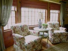 Windows Treatment Ideas For Living Room by This Window Is Called A Bow Rather Than A Bay Because It Gently