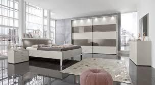 Schlafzimmer Fotos Modernes Schlafzimmer In Champagner Mit Viel Stauraum Baria