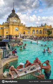 bagno termale e piscina széchenyi bagno termale szechenyi a budapest ungheria foto editoriale