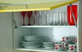 how do you arrange dishes in kitchen cabinets kitchen design ideas organize kitchen cabinets correctly