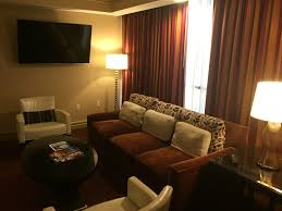 One Bedroom Luxury Suite Luxor Review Luxor Las Vegas Mgm Resort Miles From Blighty