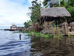 floating houses iquitos amazon river peru global water forum
