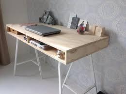 bureau scrapbooking mooi strak hout underlayment bureau met ijzeren poten