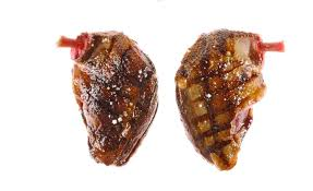 cuisiner la palombe palombe du pays grillée et flambée au capucin par alain ducasse