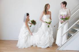 pre owned wedding dresses site lets brides on a budget rent pre owned wedding gowns ny