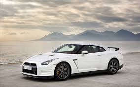 white nissan car full hd white nissan gtr car image hd wallpapers and picture