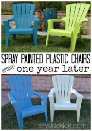 Outdoor Furniture Plastic Chairs by Spray Painted Plastic Outdoor Chairs Update One Year Later