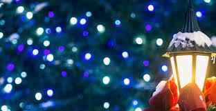 hanging christmas lights ask forget 5 handy tips to hanging christmas lights outside
