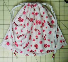 simply shoeboxes 3 step five minute drawstring tote bag for