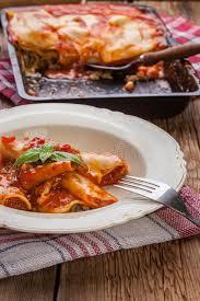 cuisine italienne cannelloni lasagne avec du boeuf cuisine italienne photo stock image du