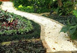 garden paths ideas shipping pallet projects make home gorgeous