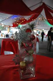 wedding centerpieces with red and golden christmas