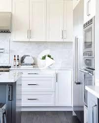 white shaker kitchen cabinets backsplash white shaker kitchen white shaker kitchen cabinets kitchen
