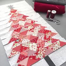 best 25 christmas tree quilt ideas on pinterest xmas table